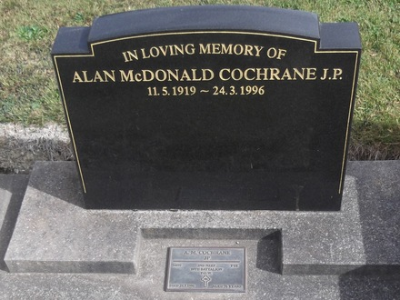 Headstone of Pte Alan McDonald COCHRANE 16899. Port Chalmers General Cemetery, Dunedin City Council, Block UO, Plot 399. Image kindly provided by Allan Steel CC-BY 4.0.