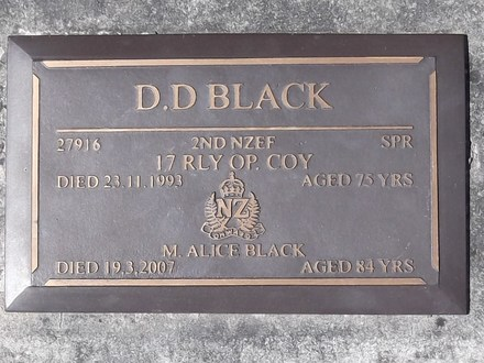 Headstone of Spr Donald Douglas BLACK 27916. Port Chalmers RSA Cemetery, Dunedin City Council, Block 1A, Plot 40. Image kindly provided by Allan Steel CC-BY 4.0.