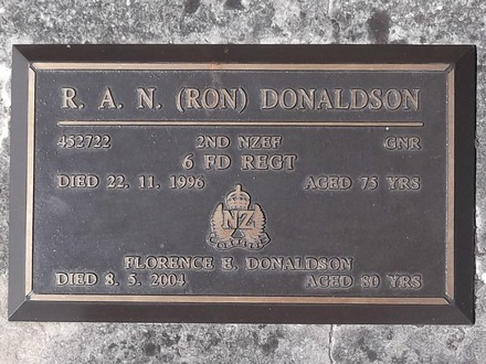 Headstone of Gnr Ronald Arthur Neil DONALDSON 452722. Port Chalmers RSA Cemetery, Dunedin City Council, Block 1A49. Image kindly provided by Allan Steel CC-BY 4.0.