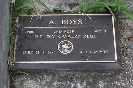 Headstone of WO 2 Alfred BOYS 21906. Warrington, St Barnabas, Block 6, Plot 20. Image kindly provided by Allan Steel CC-BY 4.0.