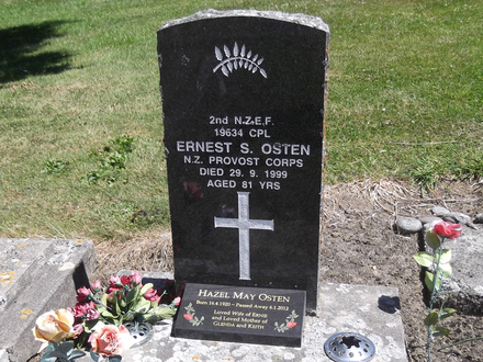 Headstone of Cpl Ernest Sydney OSTEN 19634. Green Island Cemetery, Dunedin City Council, Block IV5. Image kindly provided by Allan Steel CC-BY 4.0.