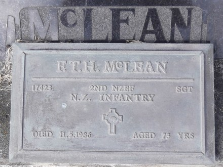 Headstone of Sgt Francis Thomas Harold MCLEAN 17423. Andersons Bay General Cemetery, Dunedin City Council, Block 225, Plot 44. Image kindly provided by Allan Steel CC-BY 4.0.