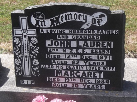 Headstone of Spr John Alphonsus LAUREN 28593. Andersons Bay General Cemetery, Dunedin City Council, Block 301, Plot 24. Image kindly provided by Allan Steel CC-BY 4.0.