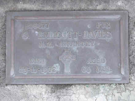 Headstone of Pte George ENDICOTT-DAVIES 578477. Andersons Bay RSA Cemetery, Dunedin City Council, Block 12A, Plot 21. Image kindly provided by Allan Steel CC-BY 4.0.