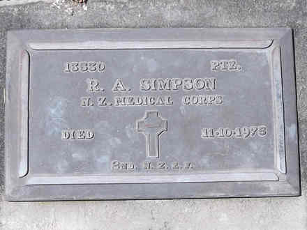Headstone of Pte Robert Arthur SIMPSON 13530. Andersons Bay RSA Cemetery, Dunedin City Council, Block 14A46. Image kindly provided by Allan Steel CC-BY 4.0.