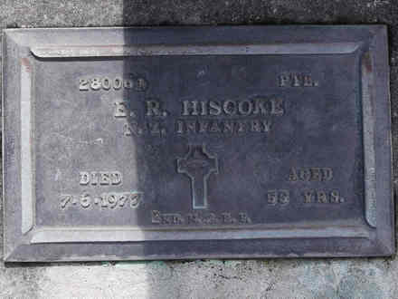 Headstone of Pte Ewan Richard HISCOKE 280064. Andersons Bay RSA Cemetery, Dunedin City Council, Block 17A7. Image kindly provided by Allan Steel CC-BY 4.0.