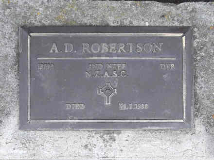 Headstone of Dvr Alexander Donald Robertson 18799. Andersons Bay RSA Cemetery, Dunedin City Council Block 22A, Plot 44. Image kindly provided by Allan Steel CC-BY 4.0.