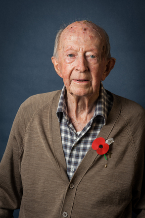 Portrait of Gordon Dennis, NZ4215822 (2014). © NZIPP Photograph by Yvonne Walker 9999-5002. CC-BY-NC-ND 4.0.