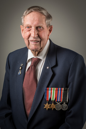 Portrait of Arthur Geoffrey Hammond, 233729 (2014). © NZIPP Photograph by Bill Irwin 9999-5108. CC-BY-NC-ND 4.0.