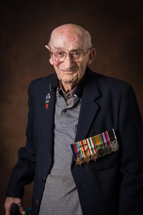 Portrait of Bob Lindsay, 31905 (2014). © NZIPP Photograph by Neil Rutherford 9999-2062. CC-BY-NC-ND 4.0.