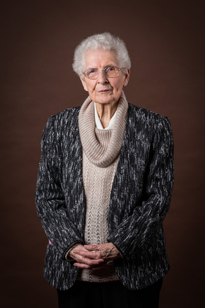 Portrait of Joyce Peat, W4377 (2014). © NZIPP Photograph by Gino Demeer 1163-7239. CC-BY-NC-ND 4.0.