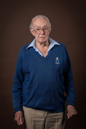 Portrait of Bruce Macmillan, 4417 (2014). © NZIPP Photograph by  Gino Demeer 1168-7239. CC-BY-NC-ND 4.0.