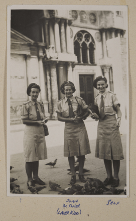Iris Frazer and Joan de Their, New Zealand Army Nursing Service in Italy. Auckland War Memorial Museum Tāmaki Paenga Hira MS-2003-107