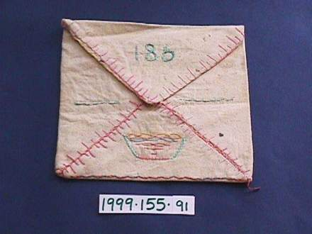 sachet, embroidered 186, Glenys Gargan [1999.155.91] front view