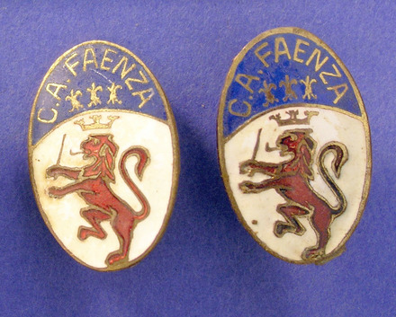 souvenir cuff links, 'FAENZA'; Pte R Turner, 21 Bn, 2NZEF, WW2 [2007.10.15] obverse