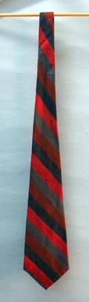 tie [2002.108.4]