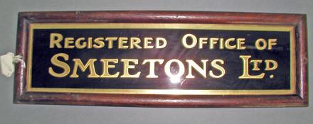 Smeetons LTD sign [1996x2.132] close up view