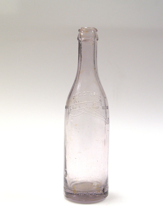 Foleys crown seal aerated water bottle [1996x2.105.8] back view