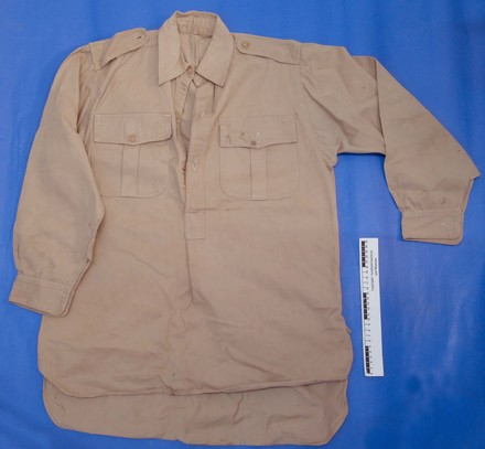 khaki drill shirt of Gunner EA (Ted) Frost, NZEF, WW2 [2007.78.2] - front view