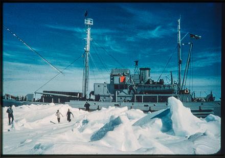 [Ship in ice]