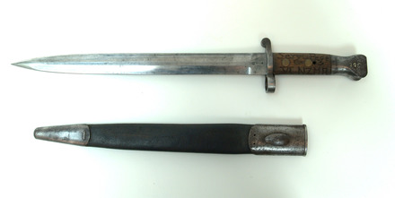 bayonet, sword (and scabbard) W2530