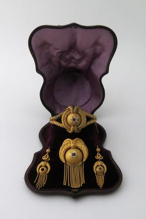 jewellery; set of; M1958b