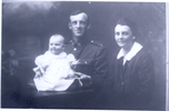 Family group Oliver Charles Edward Nicholson together with his wife Eina and their baby daughter Francis Mary - No known copyright restrictions