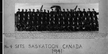 Class photo No.4 Solo Flight Training School Saskatoon, Saskatchewan, Canada 1941, supplied by Mr. Leslie Adams of Hamilton in 2001 - This image may be subject to copyright