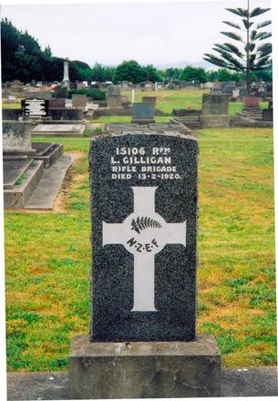 Headstone, Makaraka Cemetery (photo P Baker 2008) - No known copyright restrictions
