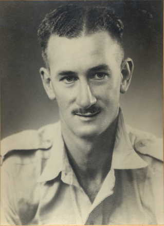 Portrait, Murray Bennett in uniform. - This image may be subject to copyright