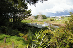 Landscape view, Mauku New Zealand Wars Memorial (photo John Halpin, November 2012) - CC BY John Halpin