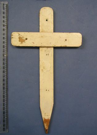 crucifix - Anzac Day marker [2003x2.27]