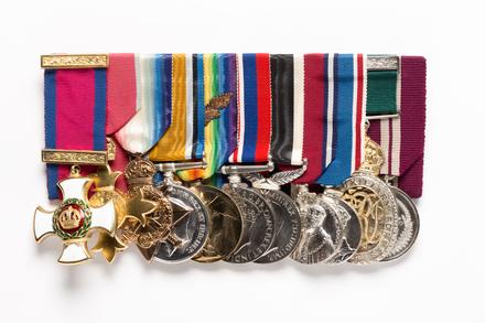 medal set, 1997.77.1