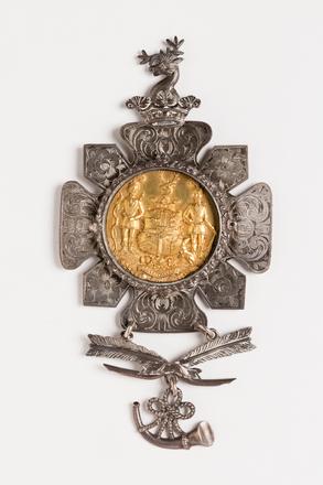 medal, presentation, 1991.314.27, Photographed by Jennifer Carol, digital, 31 Aug 2016