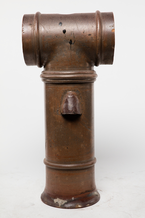 pot, chimney, 1985.358.36, col.3503, 36, Photographed by Andrew Hales, digital, 28 Nov 2016, © Auckland Museum CC BY