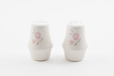 salt and pepper shakers, 2014.19.188, #84, Photographed by Richard NG, digital, 23 Dec 2016, © Auckland Museum CC BY