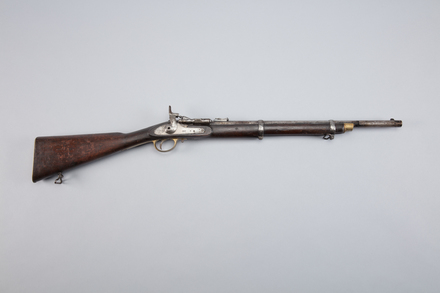 carbine, W0645, Photographed by Richard NG, digital, 24 Feb 2017, © Auckland Museum CC BY