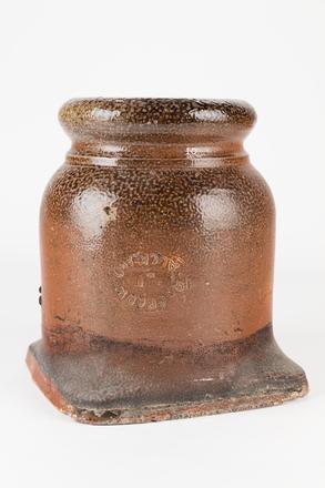 pot, chimney, 1985.358.10, col.3477, 10, Photographed by Jennifer Carol, digital, 30 Jun 2017, © Auckland Museum CC BY