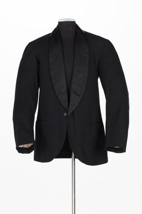 jacket, 2001.25.257, Photographed by Denise Baynham, digital, 13 Sep 2017, © Auckland Museum CC BY