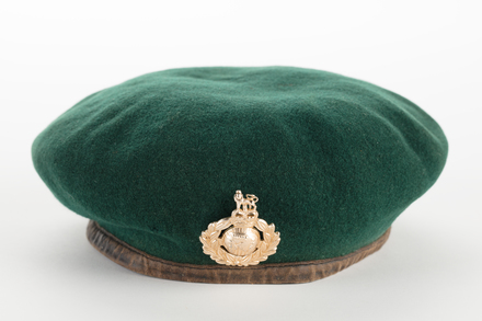 beret, field service, 2001.25.637, Photographed by Denise Baynham, digital, 03 Nov 2017, © Auckland Museum CC BY