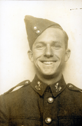 Portrait of Raymond Jack Furness, c.1941. Image kindly provided by Murray Furness (February 2018). Image has no known copyright restrictions.
