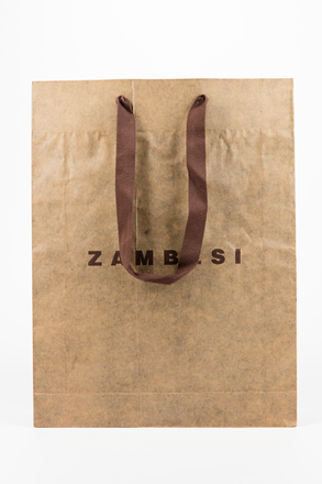 bag, shopping, 2002.22.19, Photographed by Jennifer Carol, digital, 05 Jul 2018, © Auckland Museum CC BY