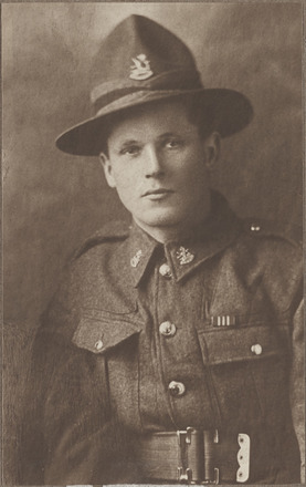 Portrait of Private Francis Edward Beaufort, Archives New Zealand, AALZ 25044 4 / F1646 51. Image is subject to copyright restrictions.