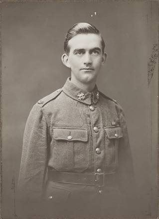 Portrait of Private Arthur Robert Smith, Archives New Zealand, AALZ 25044 3 / F1227 45. Image is subject to copyright restrictions.
