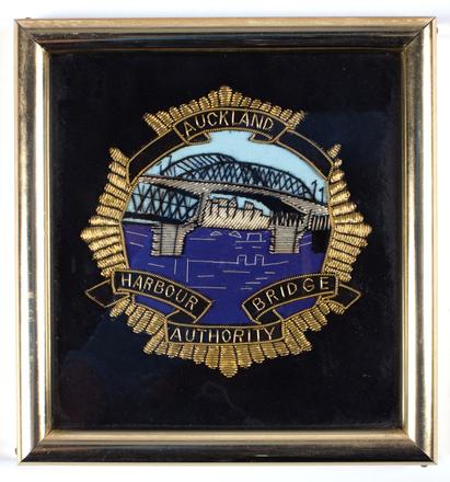 badge, shoulder / 2018.39.1 / © Auckland Museum CC BY