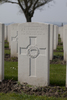 Headstone of Private John Lester Tomlinson (27394). Messines Ridge British Cemetery, Mesen, West-Vlaanderen, Belgium. New Zealand War Graves Trust (BECT5924). CC BY-NC-ND 4.0.