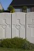 Headstone of Gunner Lindsay Brown (10564). Duhallow A.D.S Cemetery, Ieper, West-Vlaanderen, Belgium. New Zealand War Graves Trust (BEBE1629). CC BY-NC-ND 4.0.