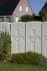 Headstone of Gunner Lindsay Brown (10564). Duhallow A.D.S Cemetery, Ieper, West-Vlaanderen, Belgium. New Zealand War Graves Trust (BEBE1630). CC BY-NC-ND 4.0.