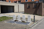 Headstone of Sergeant Evan Bertram Te Makahi Robertson (404556). Westkerke Plot of Honour, Oudenburg, West-Vlaanderen, Belgium. New Zealand War Graves Trust (BEEP9670). CC BY-NC-ND 4.0.