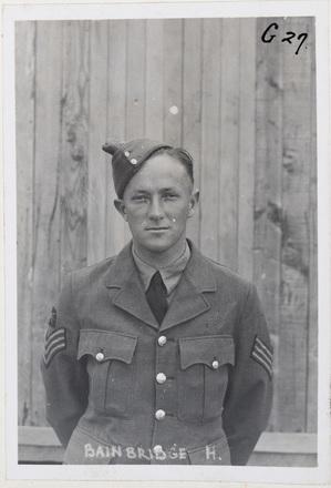H Bainbridge. Indentification Album RNZAF (c.1939-1945). Aerodrome Defence Unit, Camp 1. Hibiscus Coast (Silverdale) RSA Museum (G27). CC BY 4.0.